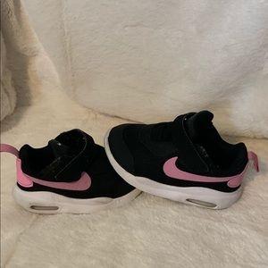 Toddler Nike Air Maxes